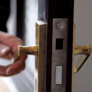 Commercial Locksmith - Door lock key